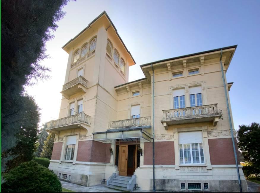 Villa in vendita a Piverone, 13 locali, prezzo € 590.000 | PortaleAgenzieImmobiliari.it