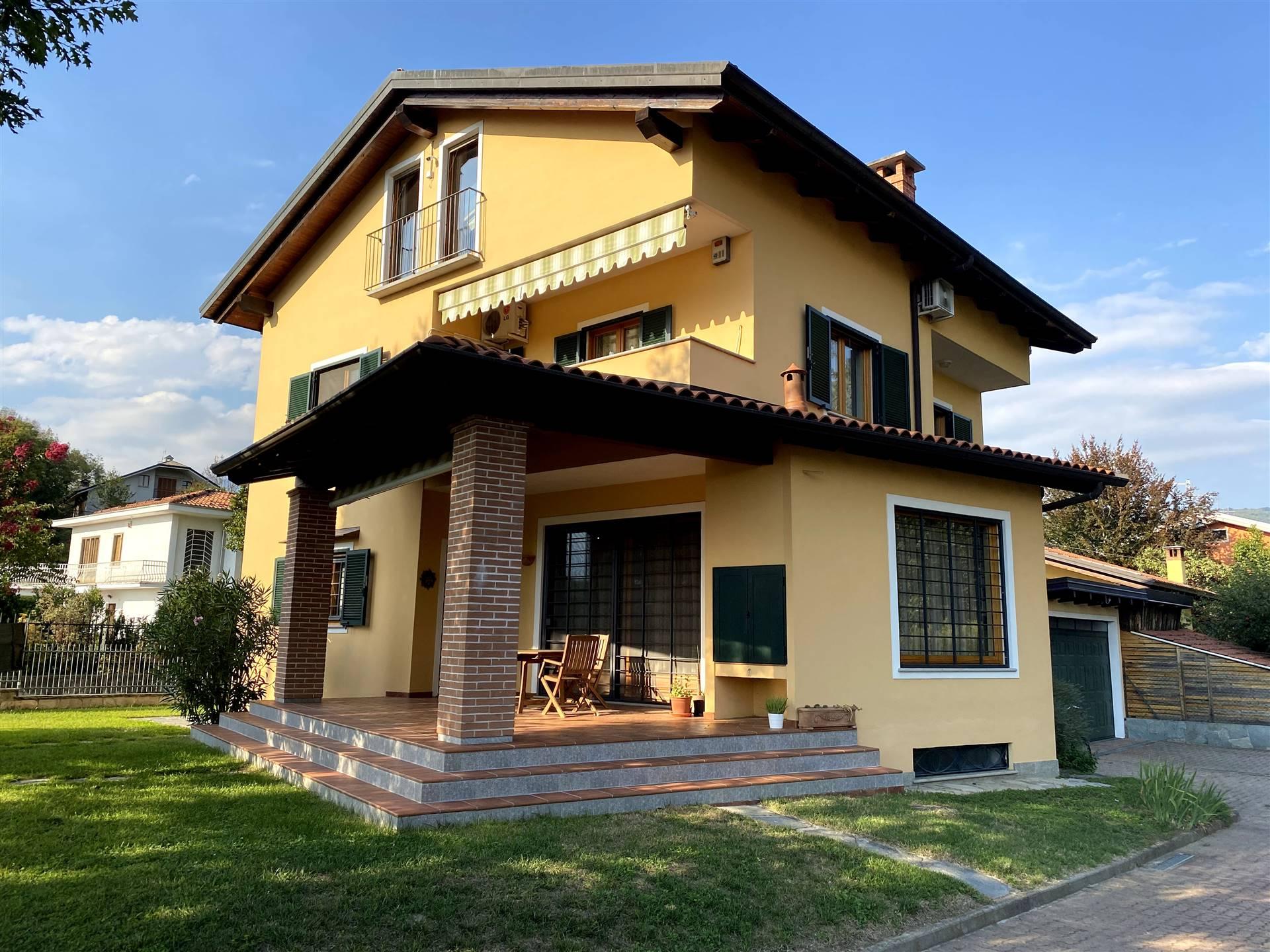 Villa in vendita a Cascinette d'Ivrea, 9 locali, prezzo € 398.000   PortaleAgenzieImmobiliari.it