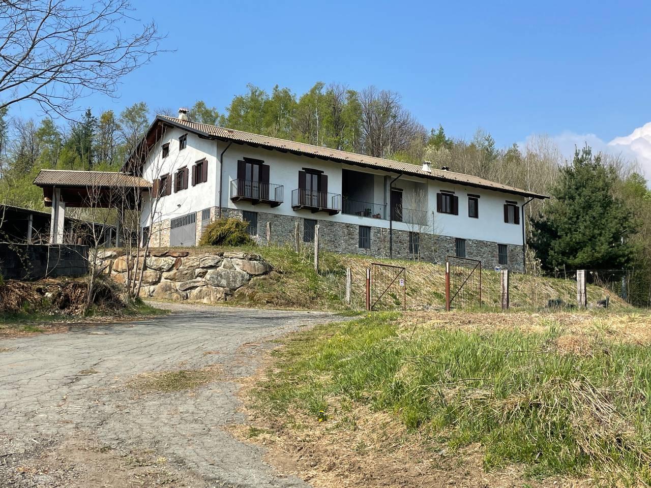 Rustico / Casale in vendita a Alice Superiore, 7 locali, prezzo € 349.000   PortaleAgenzieImmobiliari.it