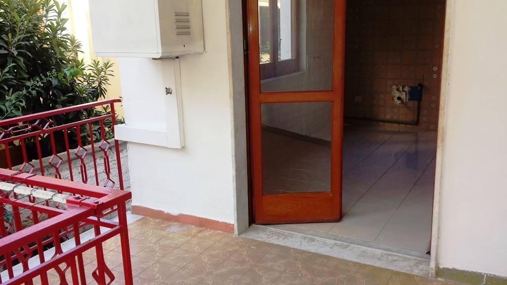 Appartamento in affitto a San Nicola la Strada, 7 locali, prezzo € 550 | CambioCasa.it