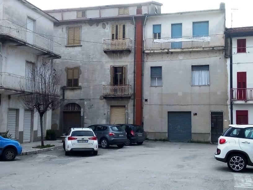 Appartamento in vendita a Castelvenere, 10 locali, prezzo € 130.000 | CambioCasa.it
