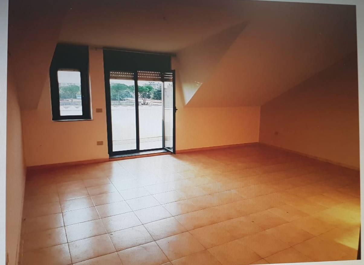 Attico / Mansarda in affitto a San Nicola la Strada, 4 locali, prezzo € 420 | CambioCasa.it
