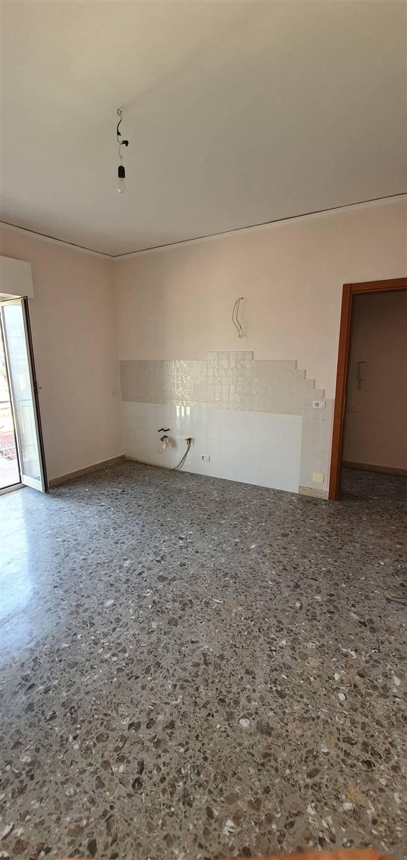 Appartamento in affitto a Casagiove, 7 locali, prezzo € 500 | CambioCasa.it