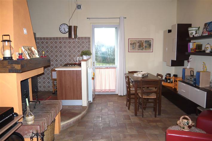 Appartamento in vendita a Castelnuovo Berardenga, 3 locali, prezzo € 145.000 | CambioCasa.it