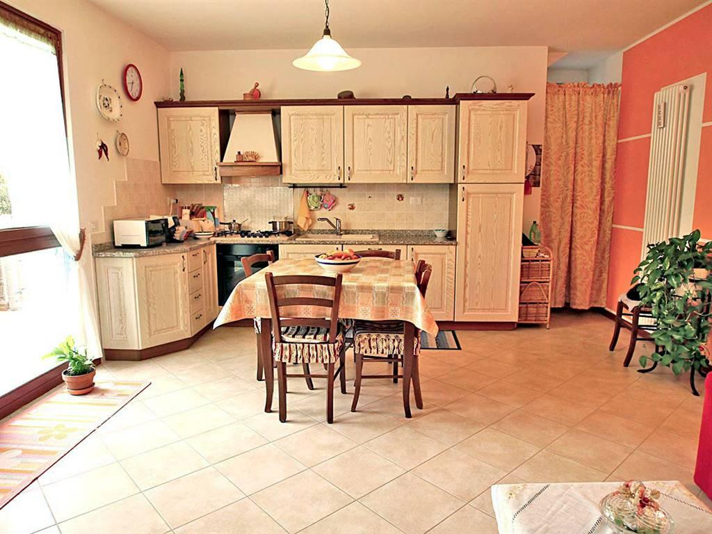 Appartamento in vendita a Castelnuovo Berardenga, 3 locali, prezzo € 185.000 | CambioCasa.it
