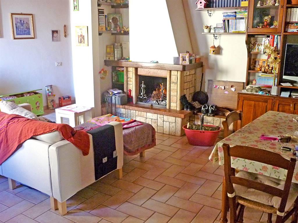 Appartamento in vendita a Asciano, 10 locali, prezzo € 170.000 | PortaleAgenzieImmobiliari.it