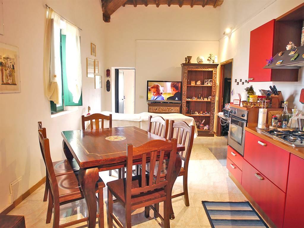 Appartamento in vendita a Castelnuovo Berardenga, 5 locali, prezzo € 150.000 | CambioCasa.it