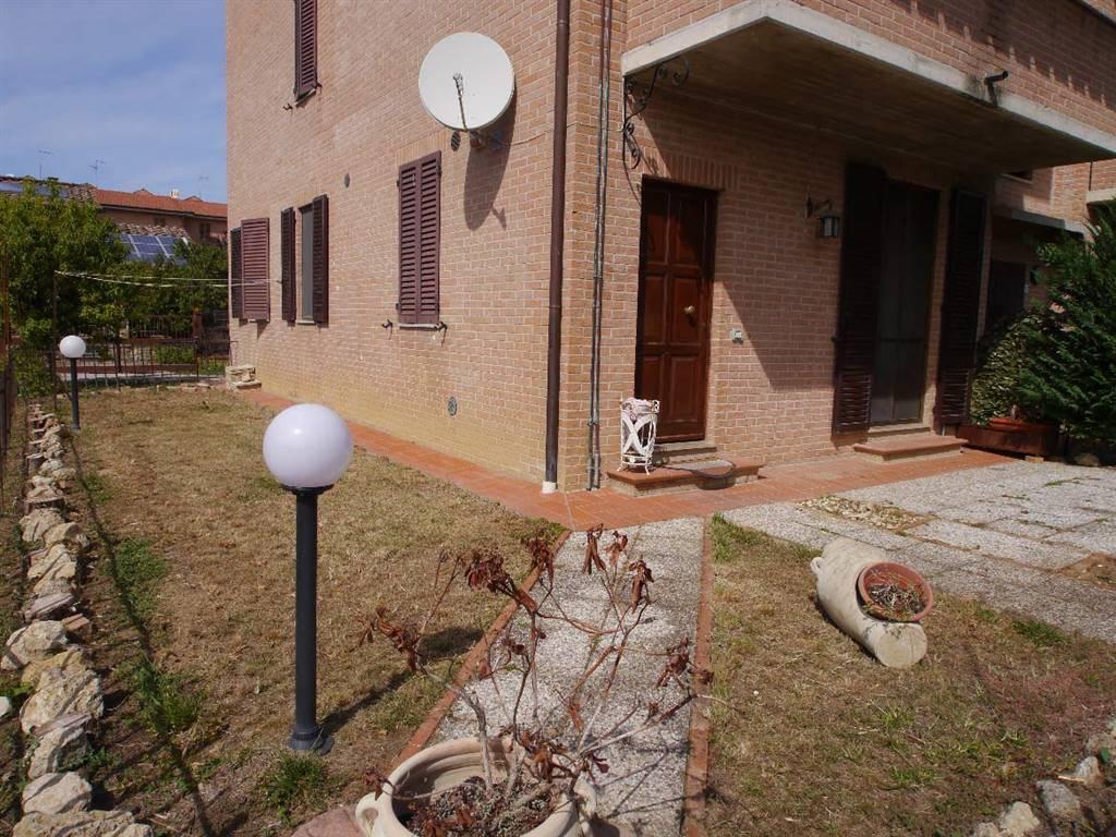 Appartamento in vendita a Monteroni d'Arbia, 3 locali, zona Località: MORE DI CUNA, prezzo € 175.000   CambioCasa.it