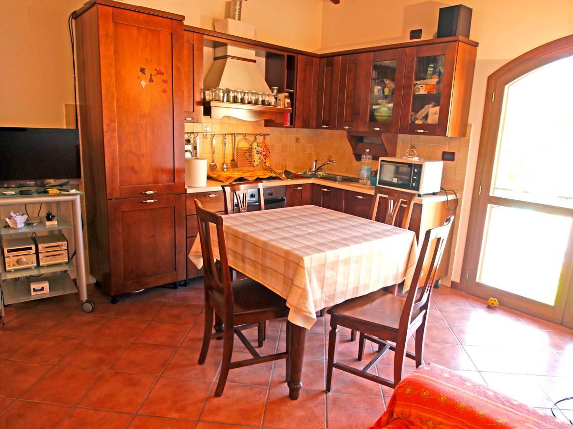 Appartamento in vendita a Castelnuovo Berardenga, 3 locali, prezzo € 170.000 | CambioCasa.it