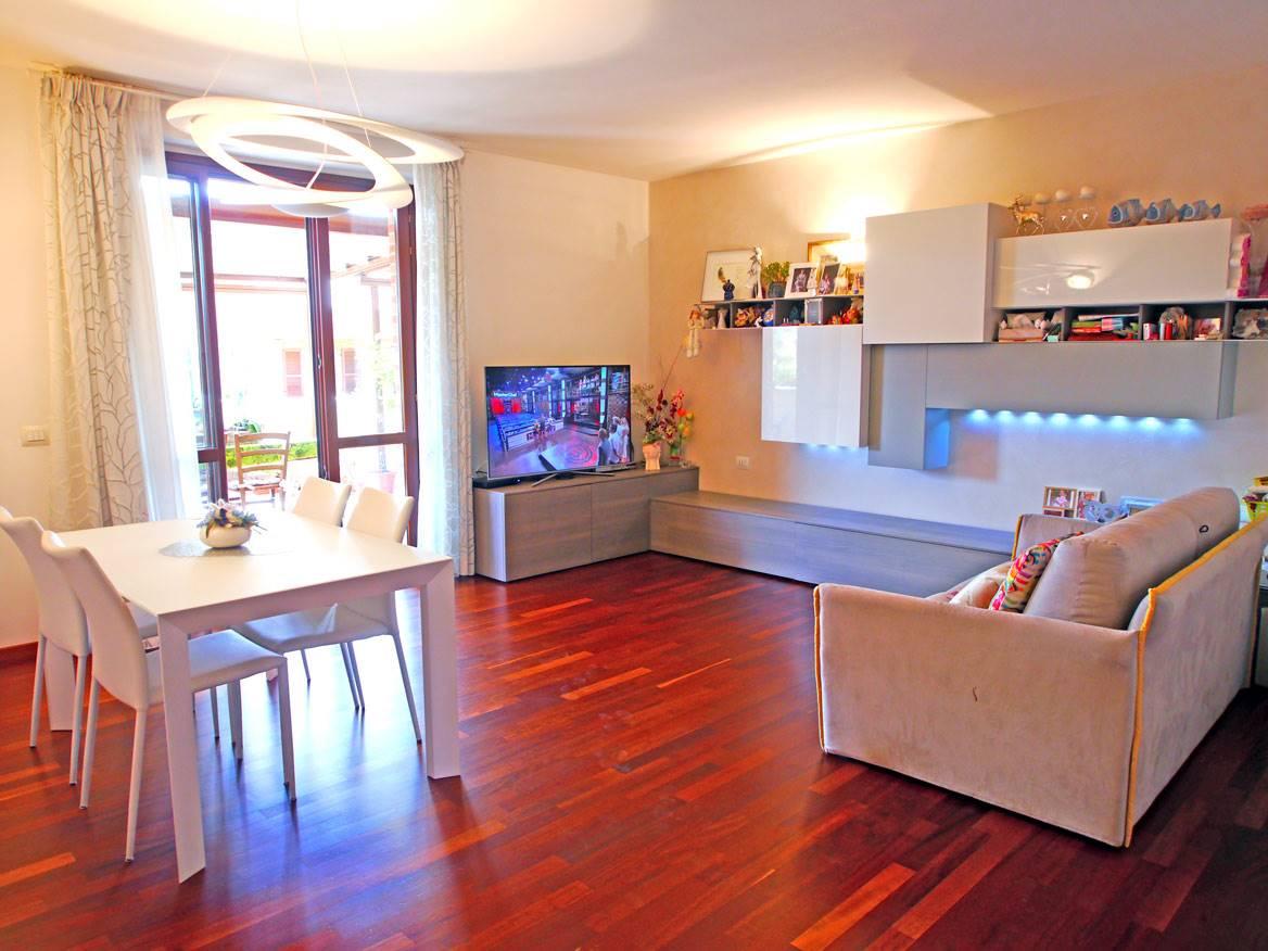 Appartamento in vendita a Castelnuovo Berardenga, 5 locali, prezzo € 270.000 | PortaleAgenzieImmobiliari.it