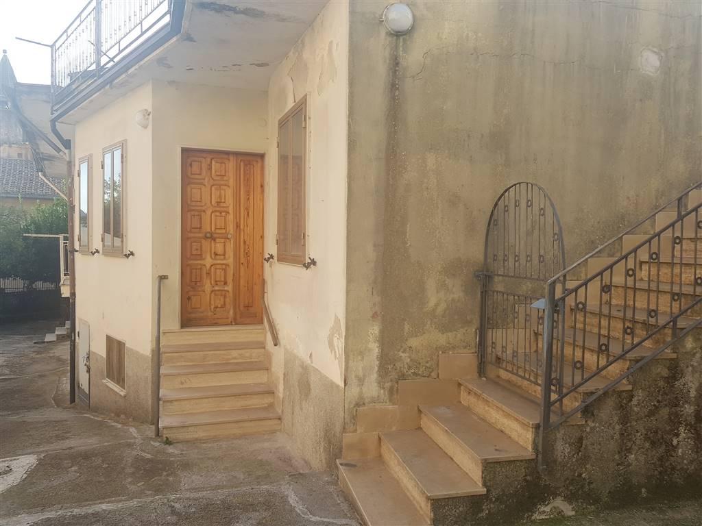Casa semi indipendente, Gauro, Montecorvino Rovella