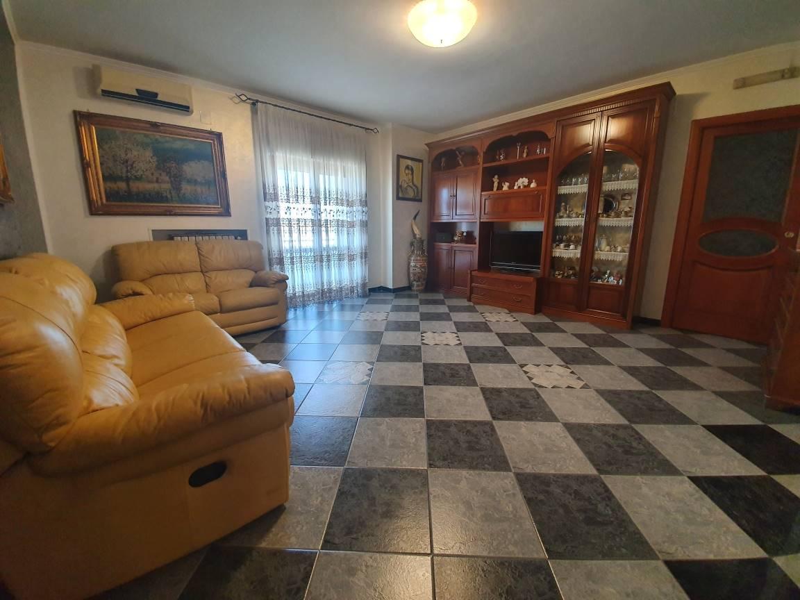 Appartamento in vendita a Montecorvino Pugliano, 4 locali, prezzo € 156.000 | CambioCasa.it