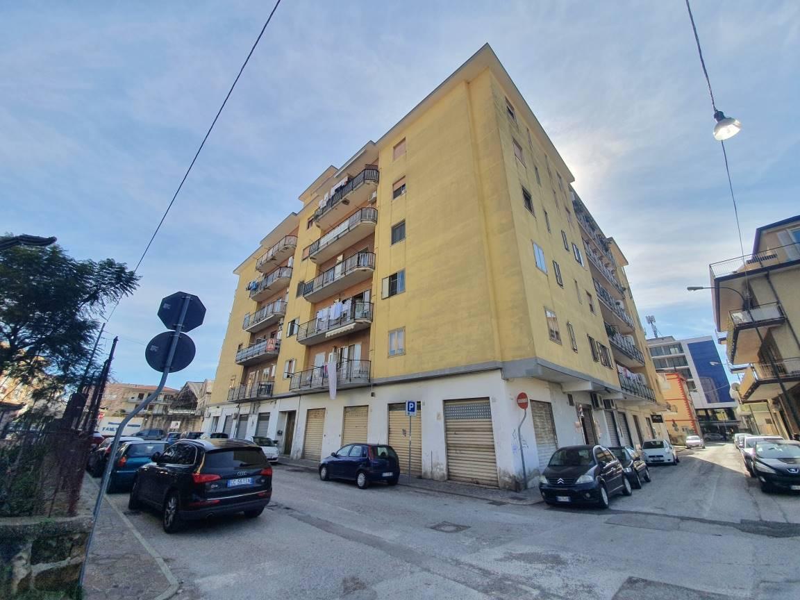 Appartamento in vendita a Bellizzi, 3 locali, prezzo € 98.000   CambioCasa.it
