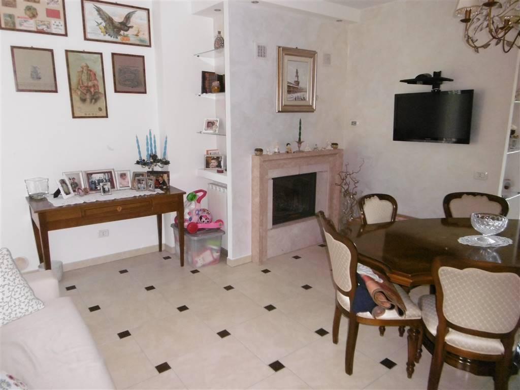 ALL IMMOBILIARE SAS propone in vendita a SAN BIAGIO di OSIMO appartamento al piano primo ed ultimo. l'abitazione facente parte di una palazzina