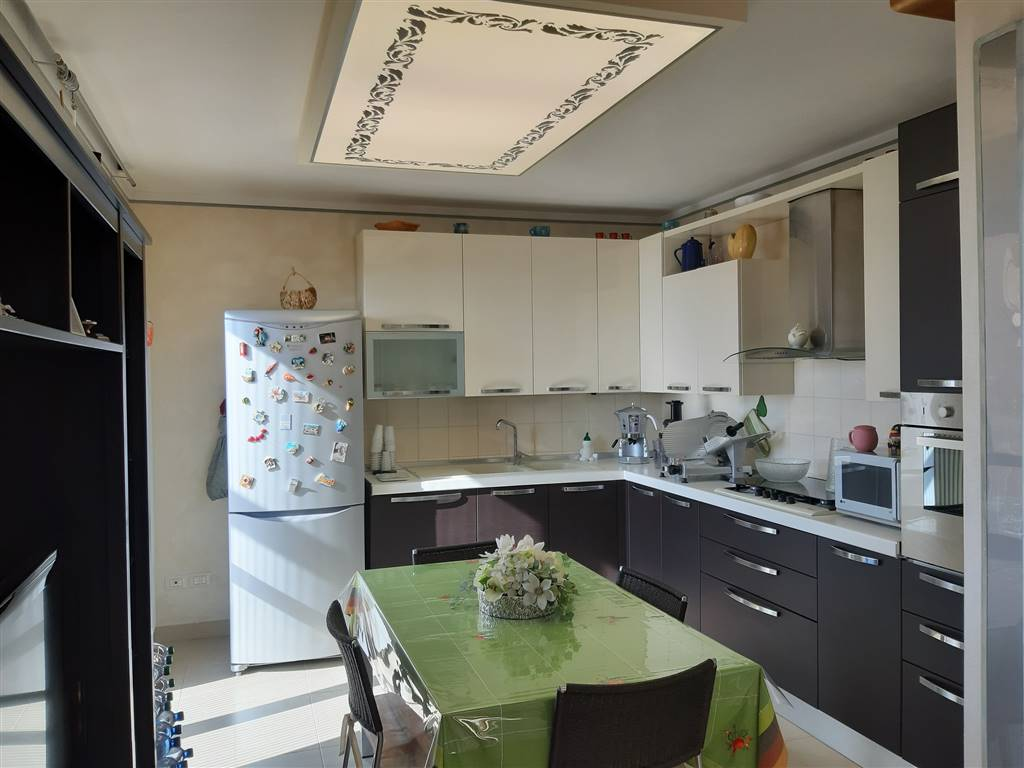AGUGLIANO, Apartment for sale of 80 Sq. mt., Excellent Condition, Heating Individual heating system, placed at 1° on 1, composed by: 5 Rooms,