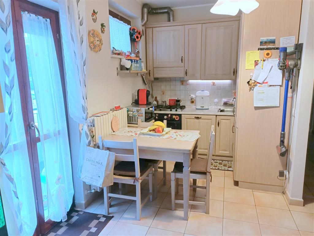 OSIMO, Wohnung zu verkaufen von 77 Qm, Beste ausstattung, Heizung Unabhaengig, Energie-klasse: E, Epi: 94,6 kwh/m2 jahr, am boden 1° auf 3,