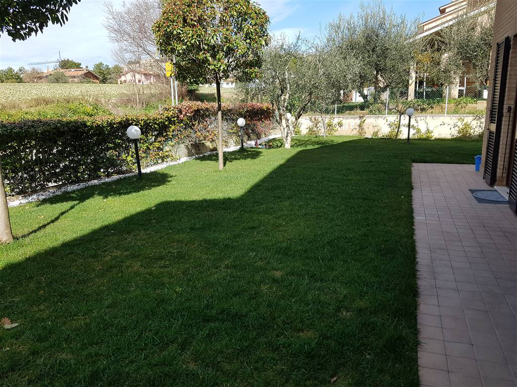 OSIMO, Apartment for sale of 110 Sq. mt., Excellent Condition, Heating Individual heating system, Energetic class: D, Epi: 150,29 kwh/m2 year, placed