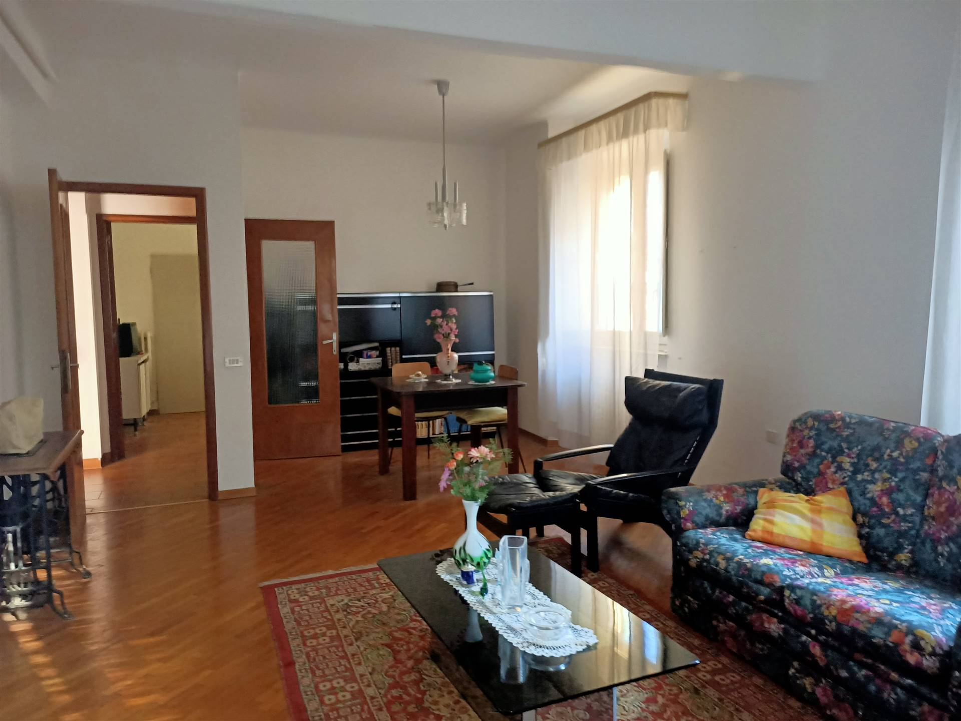 OSIMO-CENTRO, OSIMO, Wohnung zu verkaufen von 128 Qm, Bewohnbar, Heizung Unabhaengig, am boden 2° auf 2, zusammengestellt von: 7 Raume, Separate