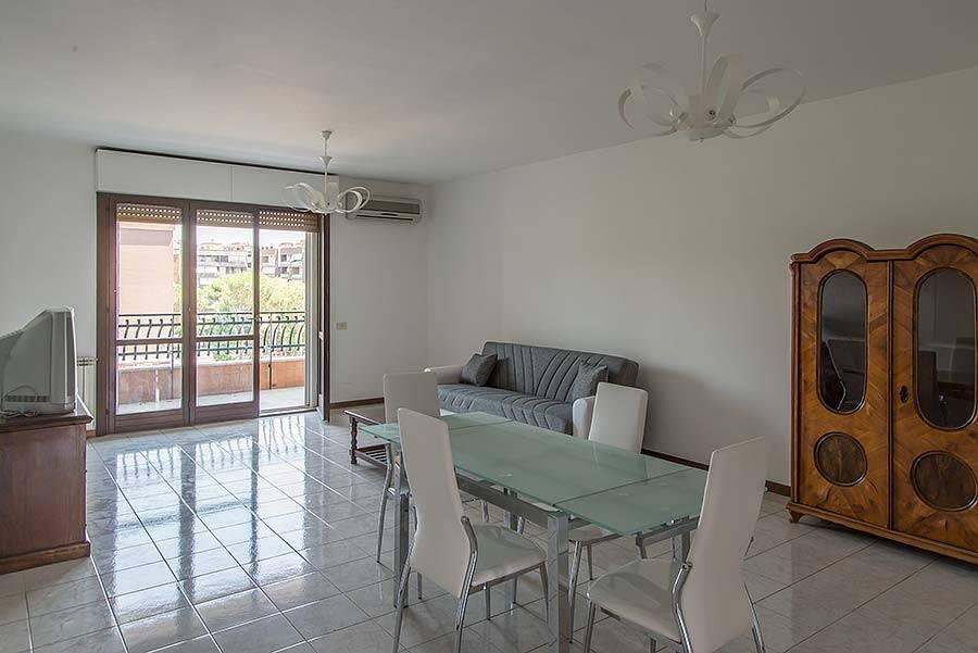 Appartamento in affitto a roma eur propertyre agency rif for Affitto roma eur arredato