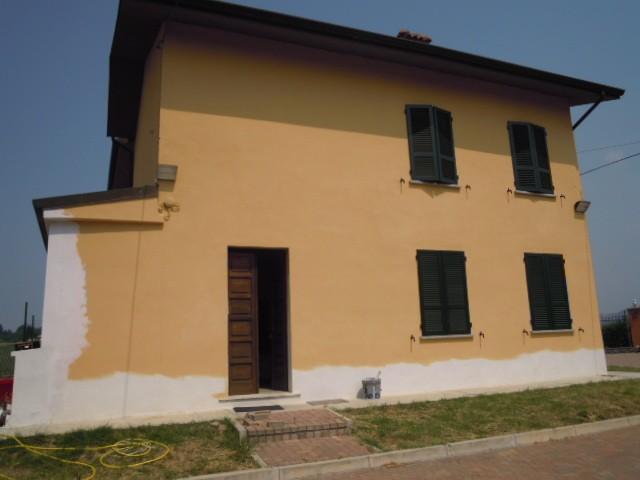 Casa semi indipendente, Casteggio, abitabile
