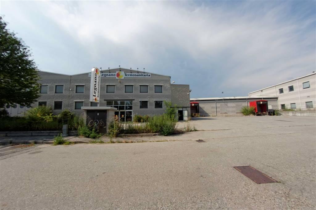 Locale commerciale in Via Case Nuove 21, Sesto Calende