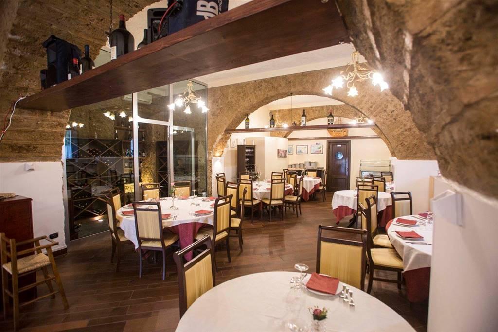 Negozio / Locale in vendita a Giffoni Valle Piana, 2 locali, zona Zona: Santa Maria a Vico, prezzo € 220.000 | CambioCasa.it