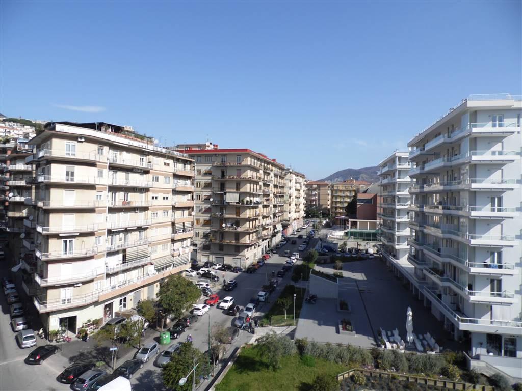IRNO / CALCEDONIA/ PETROSINO, SALERNO, Wohnung zur miete von 150 Qm, Bewohnbar, Heizung Unabhaengig, am boden 6°, zusammengestellt von: 6 Raume,