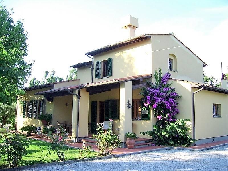 Rustico casale, Marina Di Pietrasanta, Pietrasanta, in ottime condizioni