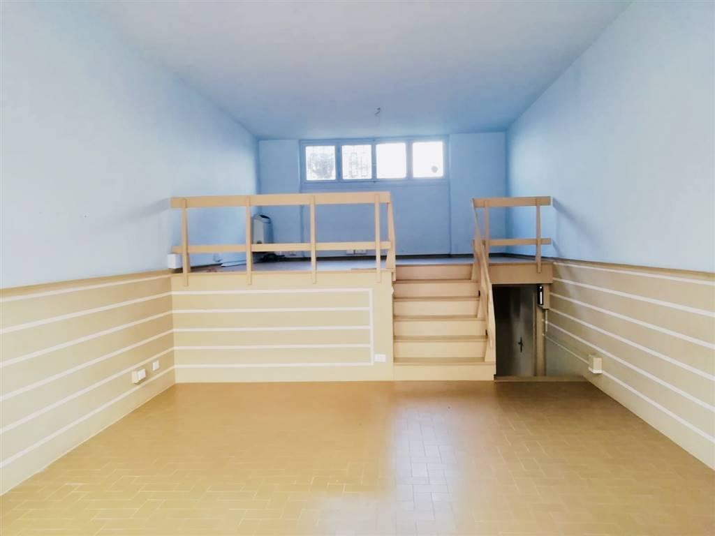 Ufficio / Studio in affitto a Forte dei Marmi, 3 locali, zona Zona: Centro, prezzo € 1.500 | CambioCasa.it