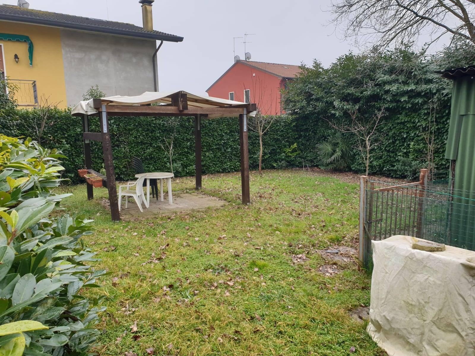 Soluzione Semindipendente in affitto a Quarto d'Altino, 4 locali, zona Zona: Portegrandi, prezzo € 900   CambioCasa.it