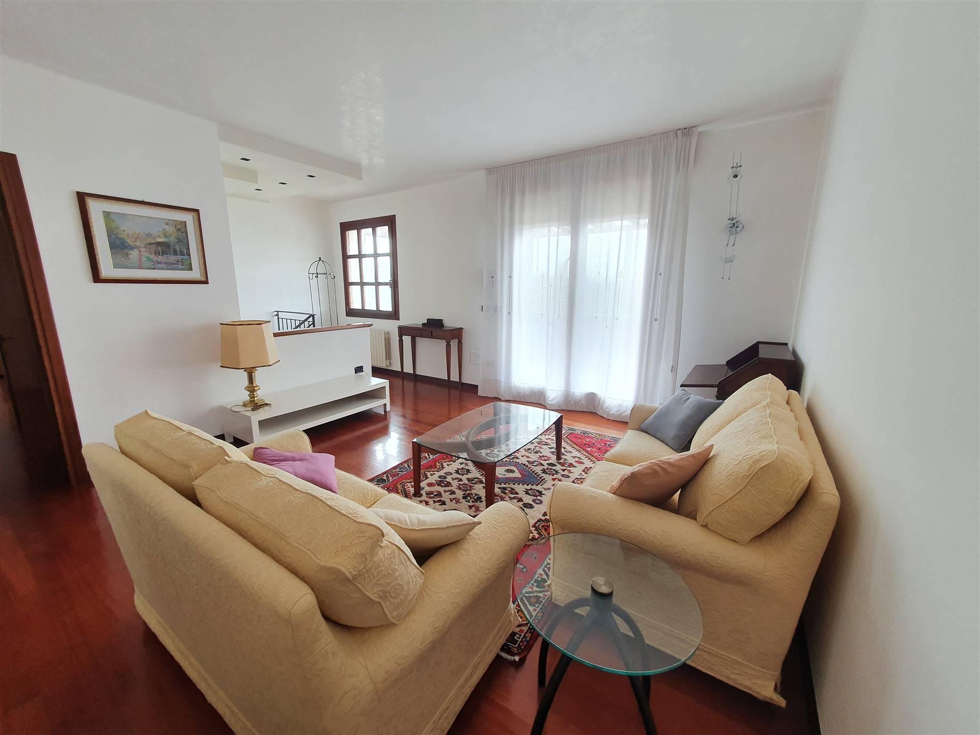 Soluzione Semindipendente in affitto a Quarto d'Altino, 6 locali, zona Zona: Crete, prezzo € 600   CambioCasa.it