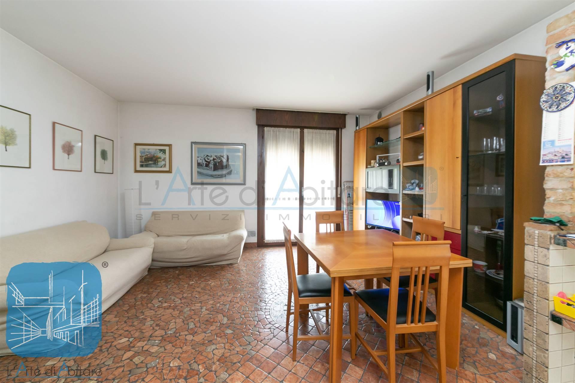 Appartamento in vendita a Venezia, 5 locali, zona Località: DESE, prezzo € 139.000   PortaleAgenzieImmobiliari.it