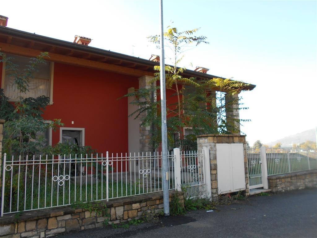 Villa a Schiera in vendita a Capriolo, 5 locali, prezzo € 250.000   PortaleAgenzieImmobiliari.it