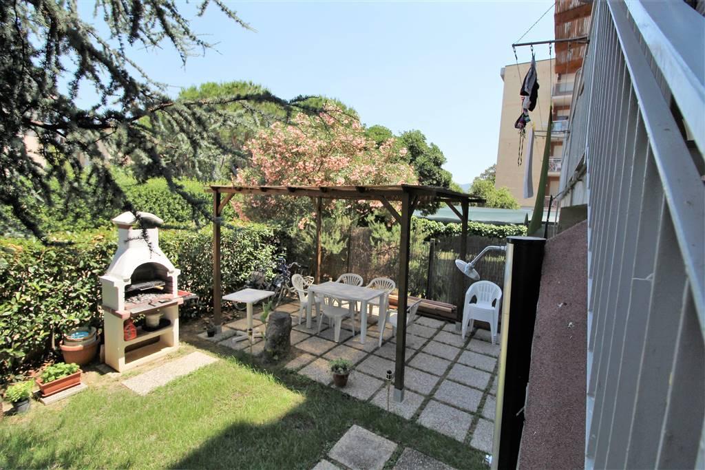 Appartamento indipendente in Via Lago Di Bracciano  1, Follonica