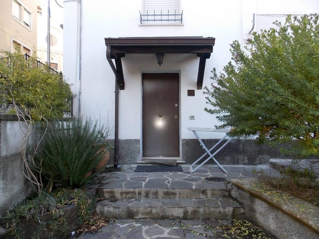 Appartamento indipendente in Via Gaetano Alberti, Quartiere S. Leonardo, Catanzaro