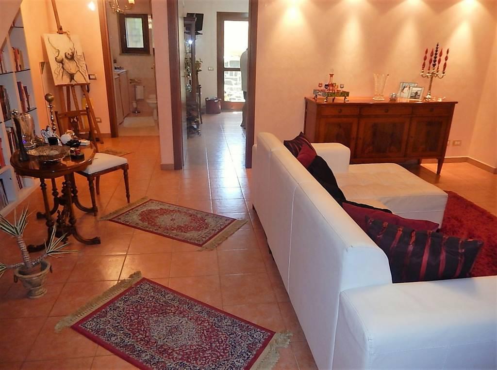 Villa a schiera in Via Stretto Antico, Catanzaro Lido, Catanzaro