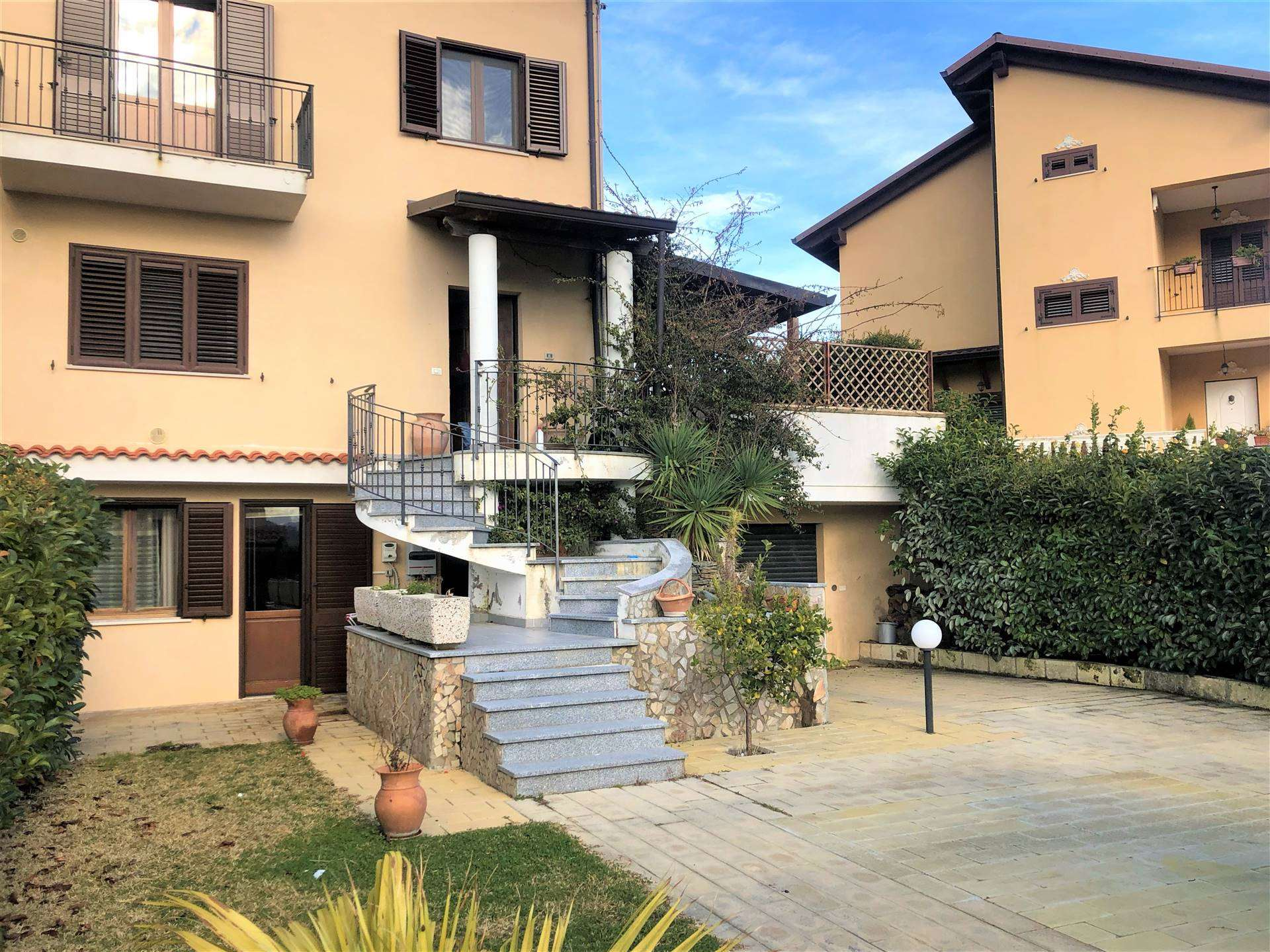 Villa Bifamiliare in vendita a Marcellinara, 5 locali, zona Zona: Licari, prezzo € 250.000 | CambioCasa.it
