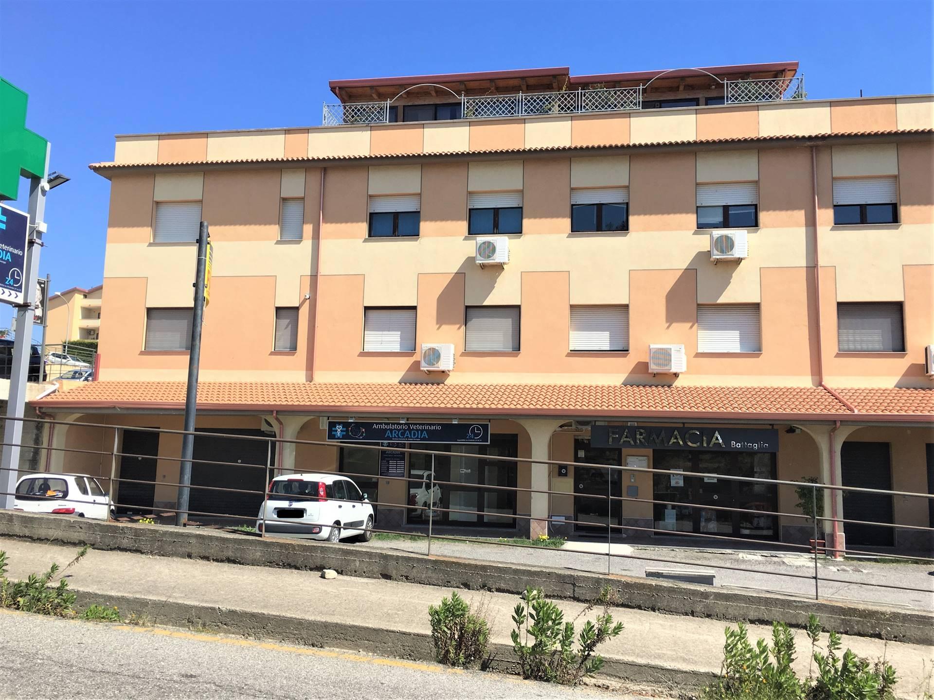 Ufficio / Studio in vendita a Catanzaro, 2 locali, zona Zona: Catanzaro Lido, prezzo € 70.000 | CambioCasa.it