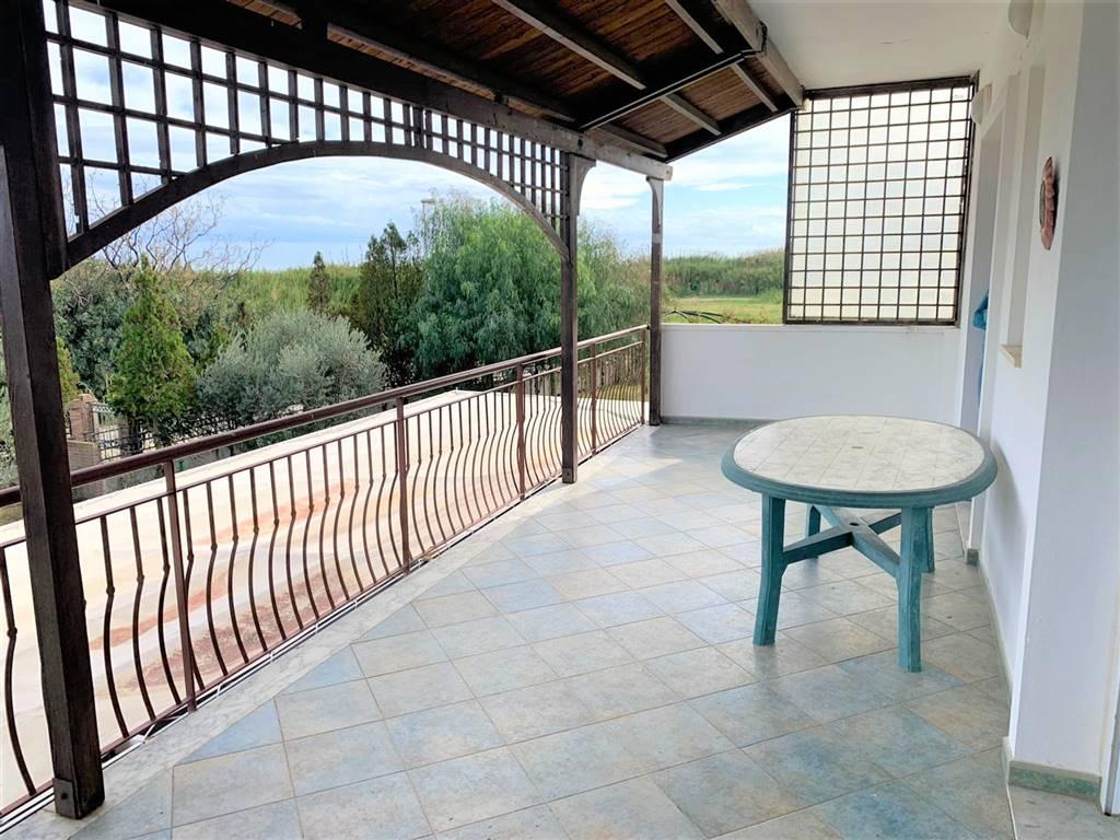 Appartamento in vendita a Soverato, 3 locali, zona Località: SOVERATO MARINA, prezzo € 86.000 | CambioCasa.it
