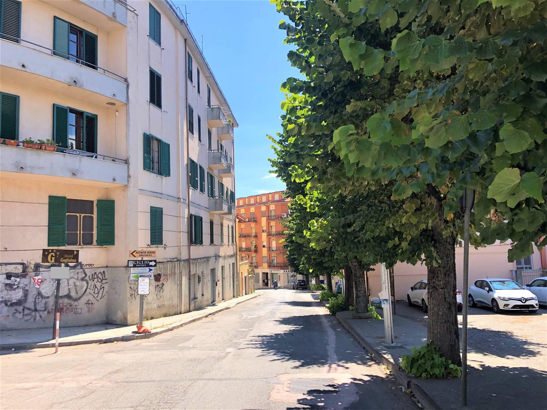 Magazzino in vendita a Catanzaro, 1 locali, zona Zona: Quartiere S. Leonardo , prezzo € 30.000 | CambioCasa.it