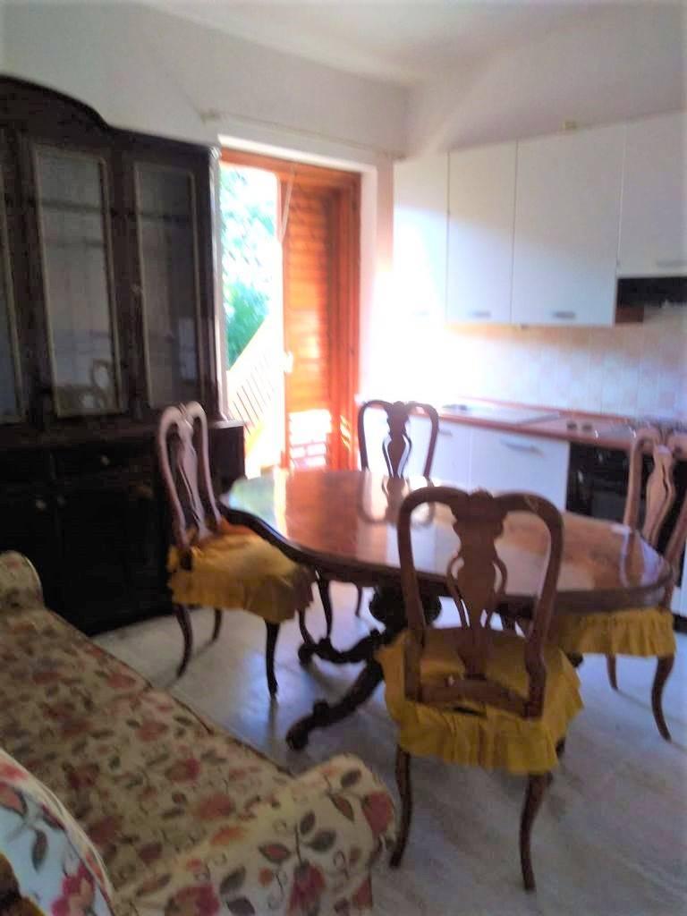 Appartamento in affitto a Stalettì, 2 locali, zona Zona: Pietragrande, prezzo € 350 | CambioCasa.it