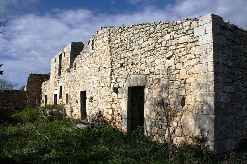Vendita rustici casali ragusa cerco rustico casale in - Ristrutturare casale di campagna ...