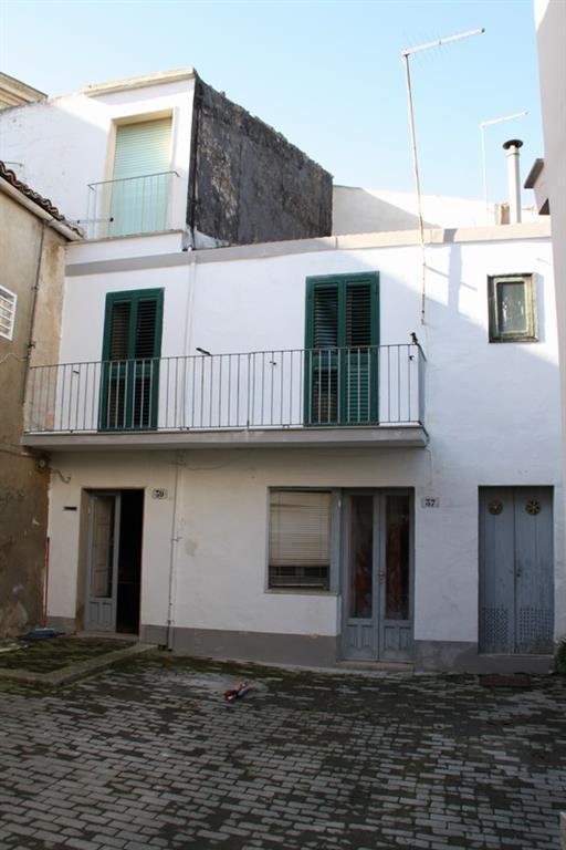 Casa singola in Via Chiaramonte 37,39, Ragusa