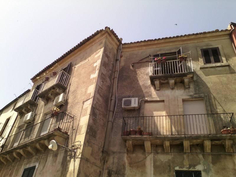 Casa semi indipendente, Ecce Homo, Ragusa, ristrutturato