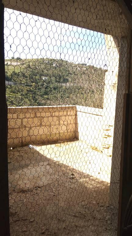 Vendita casa semi indipendente ragusa abitabile piano for Piano casa casa di sciopero seminterrato
