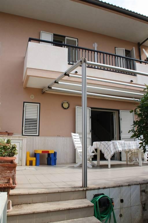 Villa a schiera in Via Bologna  58, Marina Di Ragusa, Ragusa