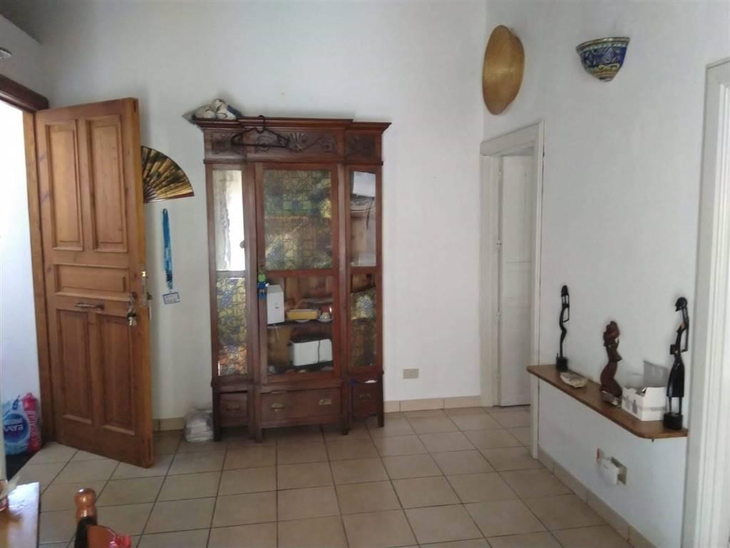 Soluzione Indipendente in affitto a Ragusa, 3 locali, zona Località: RAGUSA IBLA, prezzo € 350 | CambioCasa.it