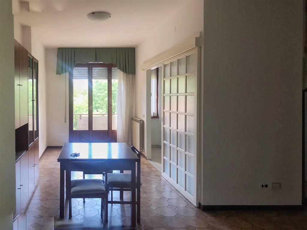 Appartamento in affitto a Aulla, 2 locali, prezzo € 380 | CambioCasa.it