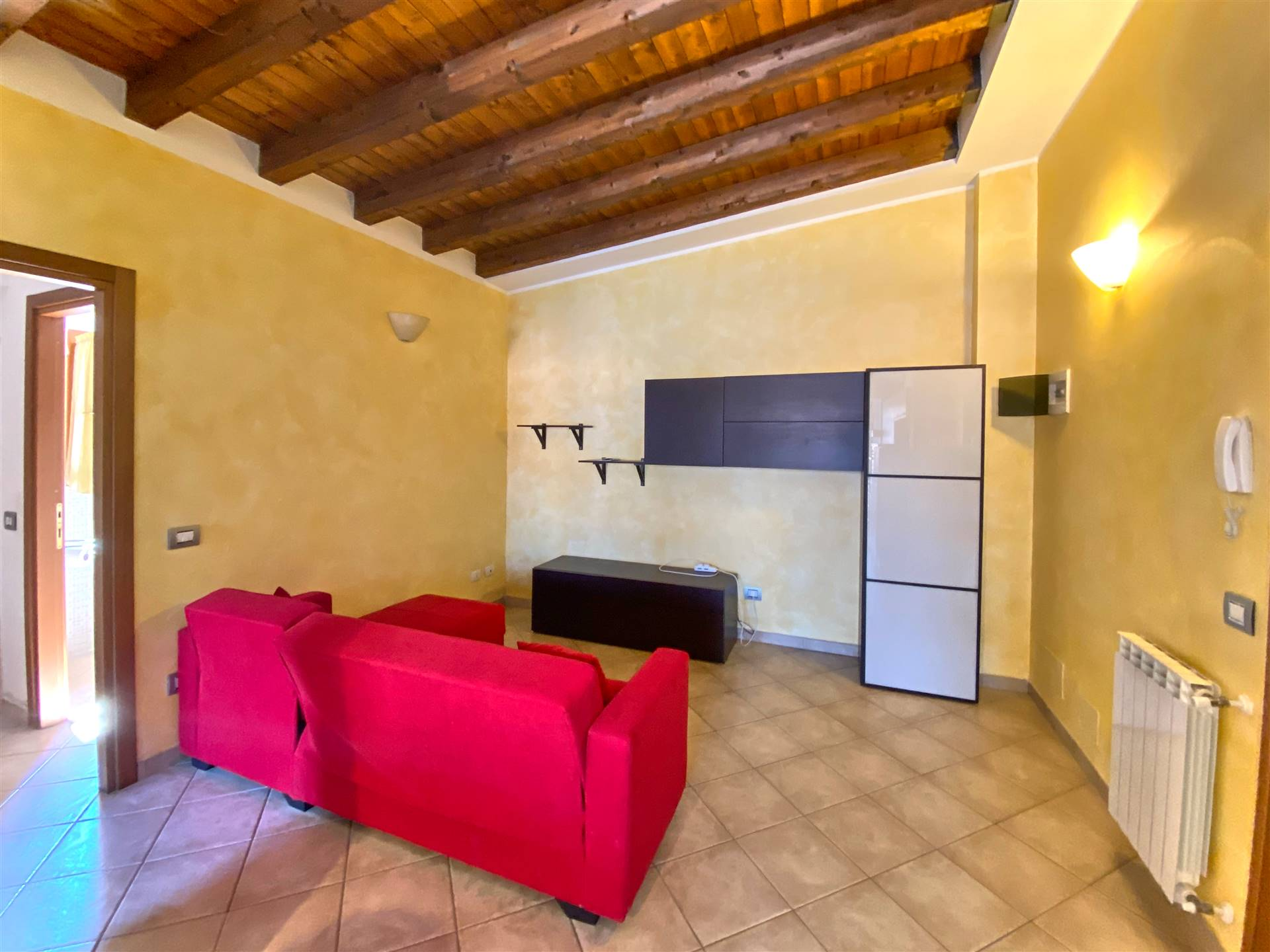 Appartamento in affitto a Aulla, 2 locali, prezzo € 420 | CambioCasa.it