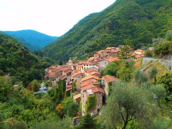 Appartamento in vendita a Pigna, 3 locali, zona Zona: Buggio, prezzo € 98.000 | CambioCasa.it